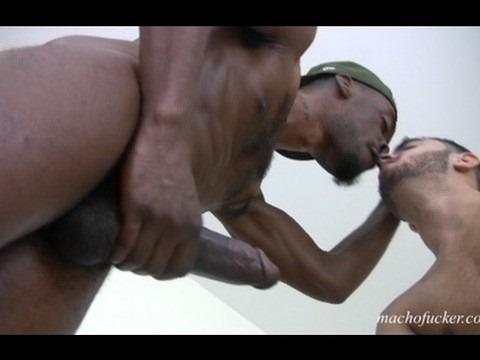 Slim Thug porno gay ebano lesbains video