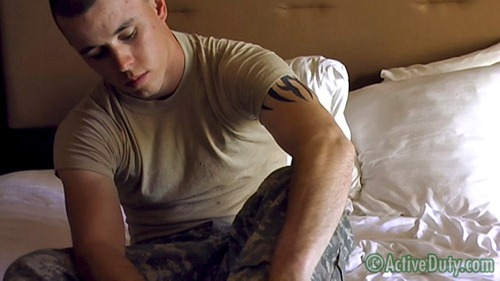 gay-military-porn-17