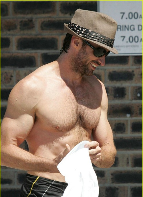 hugh-jackman-six-pack-stomach-05