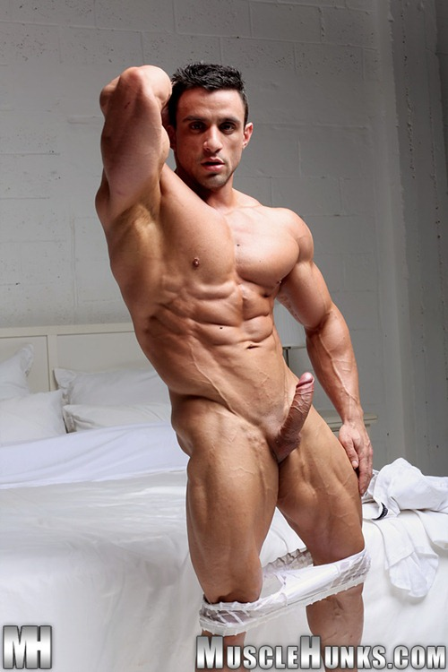 Muscly Macho Gay Men Cum