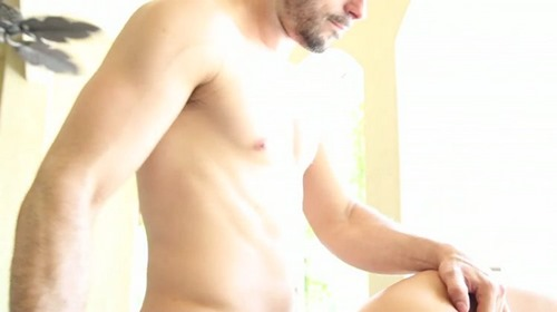 Pool_Boy_Fun_Man_Royale_trailer_mp4_75064