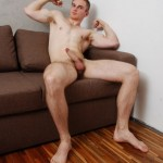 Hunk Du Jour – Hairy Muscular Legs, Big Dicks & Attitude