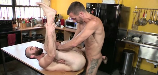 Dylan_Hyde_Barebacks_Porter_Loutrec_Preview182
