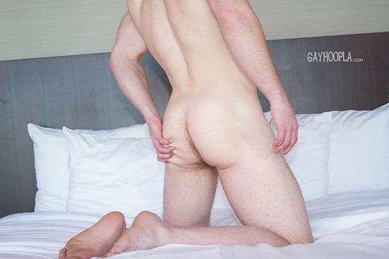 gayhoopla-aaron-dickson-10