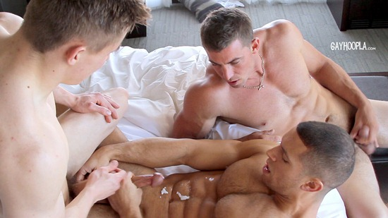 gayhoopla-sean-costin-derek-jones-jake-davis-30