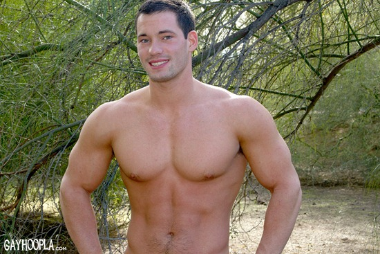 gayhoopla-ryan-winter-01