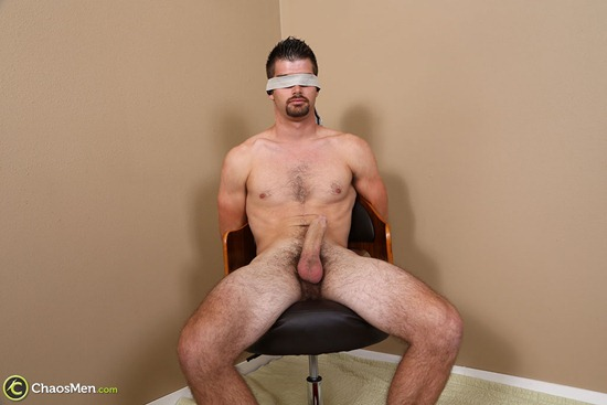 1672_chaosmen_armani_bentley_edge_hires_005