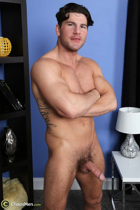1803_chaosmen_oliver_king_solo_hires_069