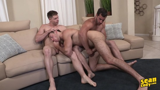 Bareback Threeway with Randy, Dean & Cory - The Mo116