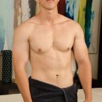 Beefy Horny Straight Stud Robert Is Back For A Happy-Ending Massage