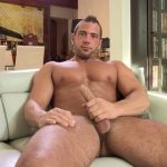 Big Muscle Stud JP Gets An Expert Blowjob